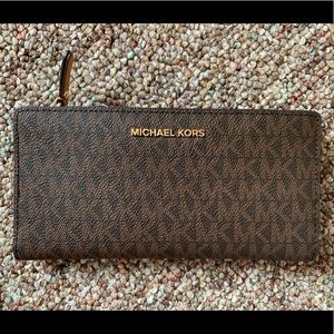 Michael Kors Signature Card Case Carryall